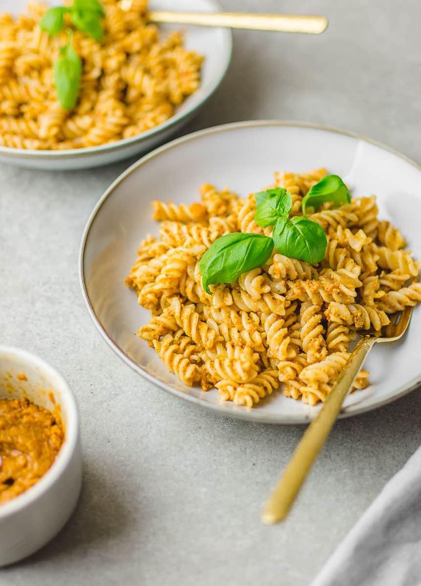 pasta recipe with sun-dried tomato pesto